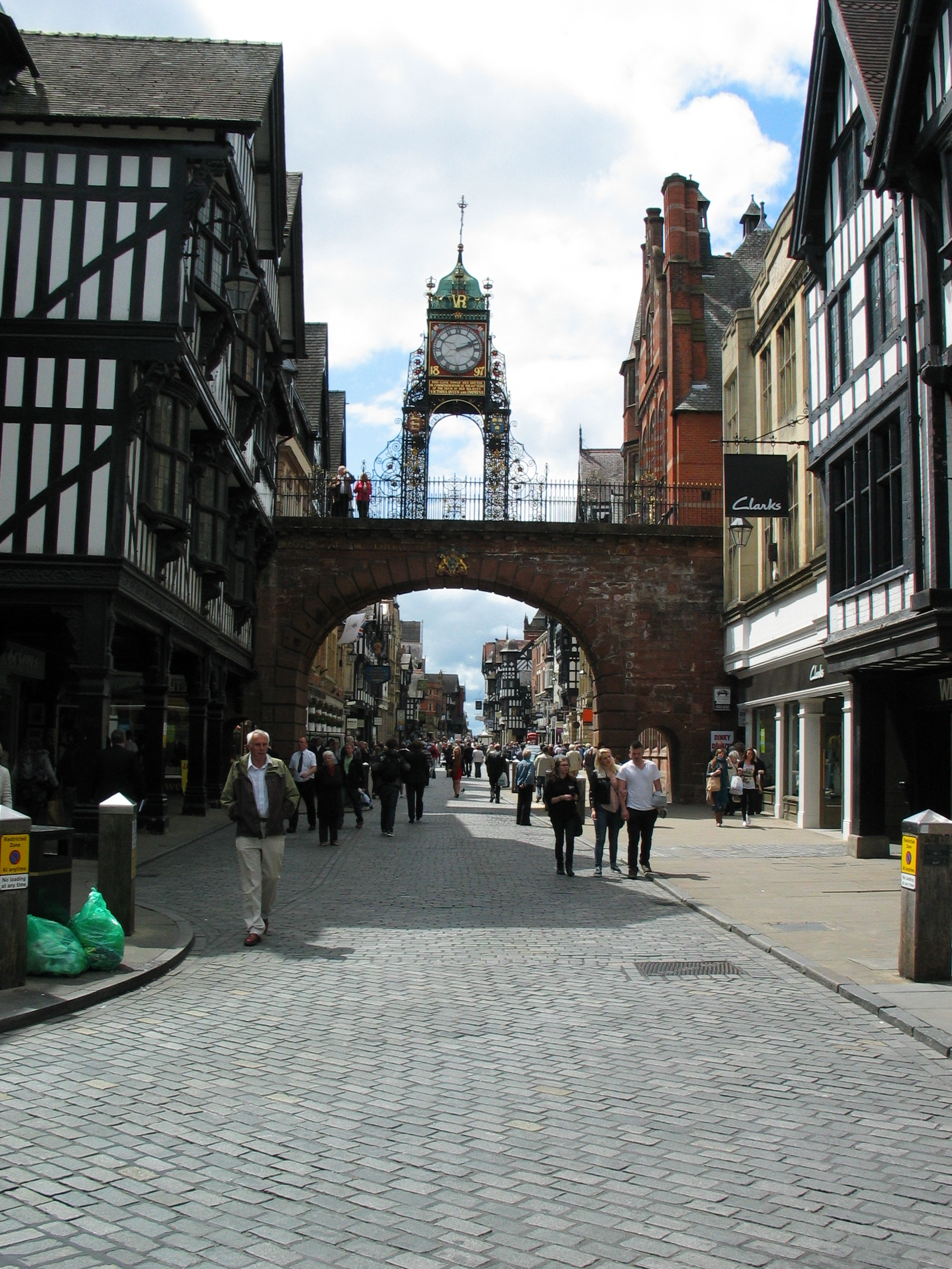 Eastgate Clock, Chester - By Kiril Kostovbg via Wikimedia Commons